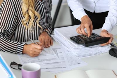 Должностная инструкция бухгалтера-кассира: образец 2020-2021 года
