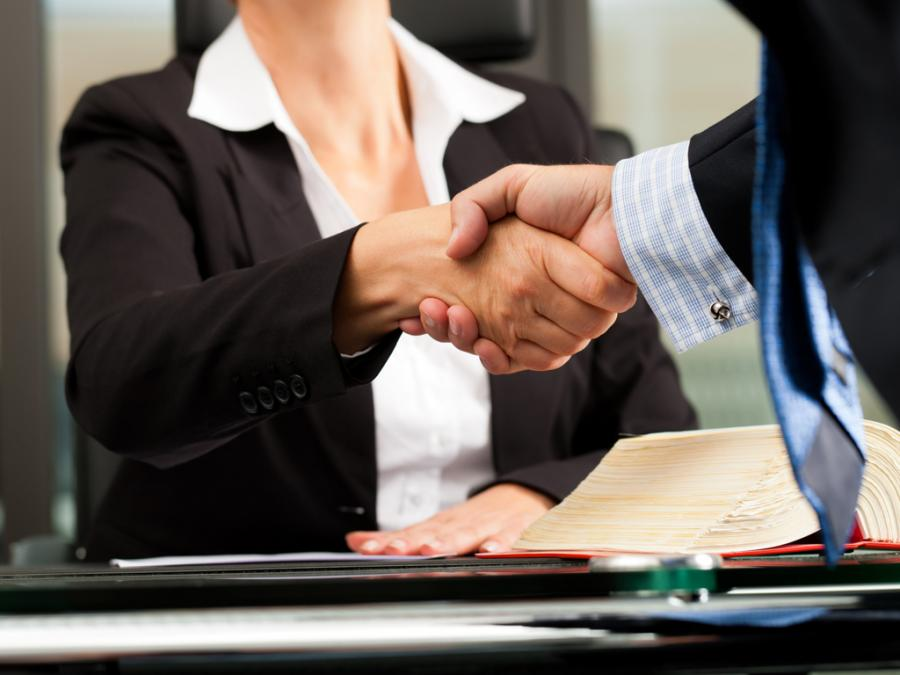Договор между юрлицом и физлицом на НПД