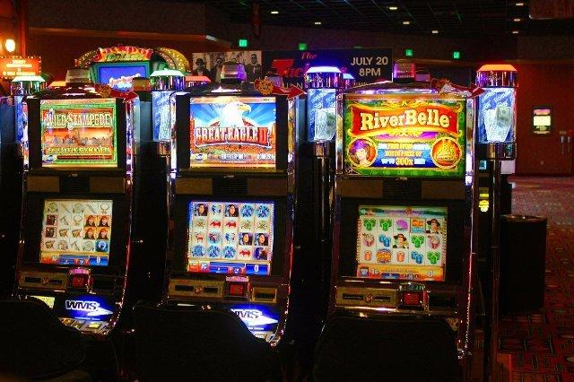 Преимущества заработка в казино Спин Сити