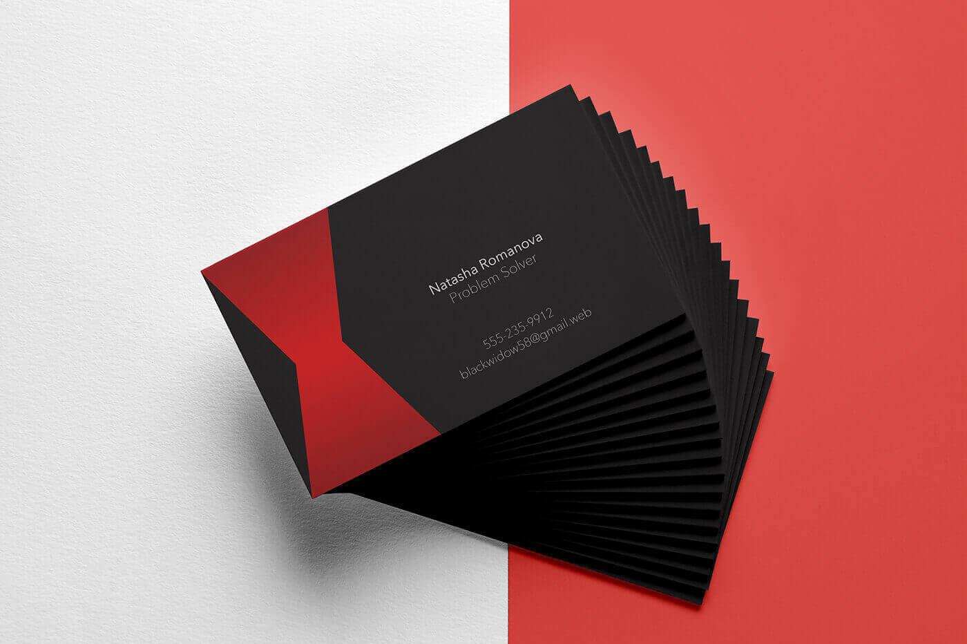 Практично, эстетично, впечатляюще: 3 полезных правила оформления визитных карточек