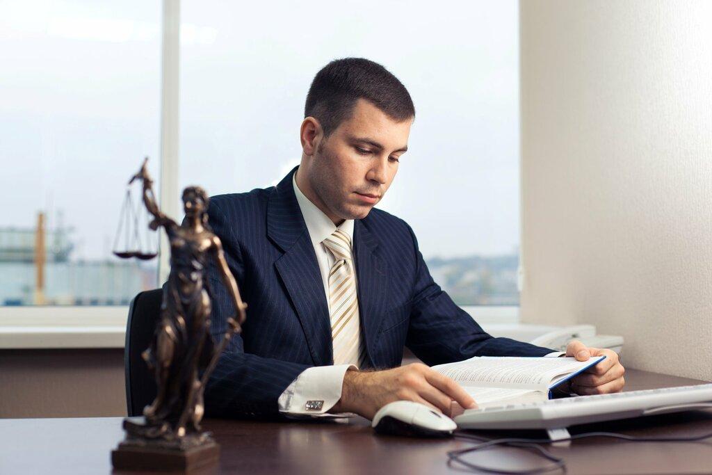 Преимущества наличия юриста на предприятии