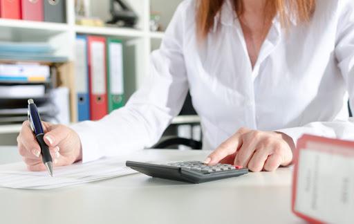 Плюсы ведения бухгалтерии ИП сторонней организацией